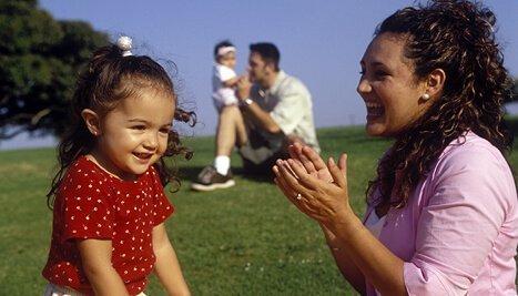 okul öncesi çocuğunuzla oynayabileceğiniz 5 eğitici oyun