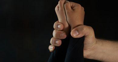 Çocuk istismarı nedir? hangi türleri bulunur?