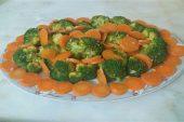 Brokoli salatası (mezesi) tarifi, Havuçlu brokoli mezesi