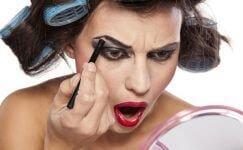 Makyajı sanattan felakete çeviren makyaj hataları