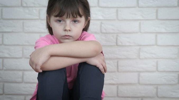 Psikolojisi bozuk çocuğun belirtileri tedavi edilmediği taktirde ileride sebep olabileceği psikolojik rahatsızlıklar